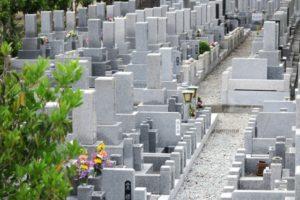 アイキャッチ画像 墓地