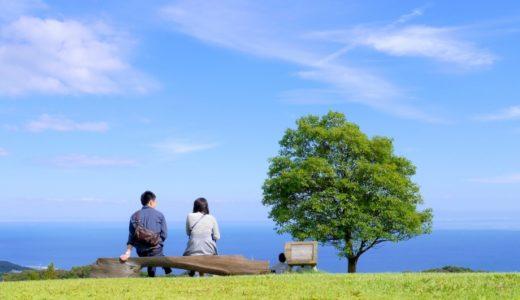 樹木葬の種類や費用の相場。良さ(メリット)や注意点(デメリット)、埋葬方法の違いも解説。